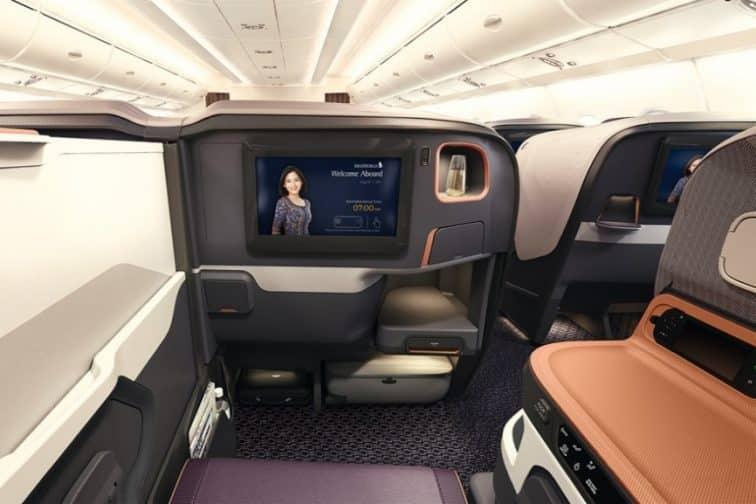 A380の座席には複数の収納スペース