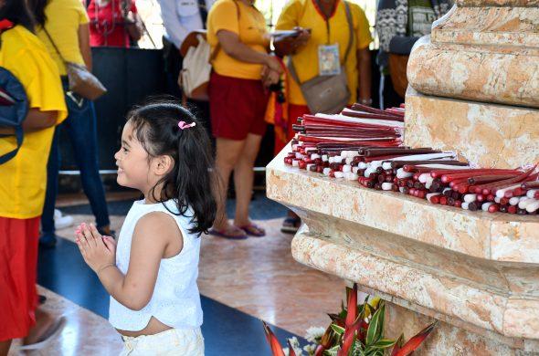 candles magellan cross cebu philippines