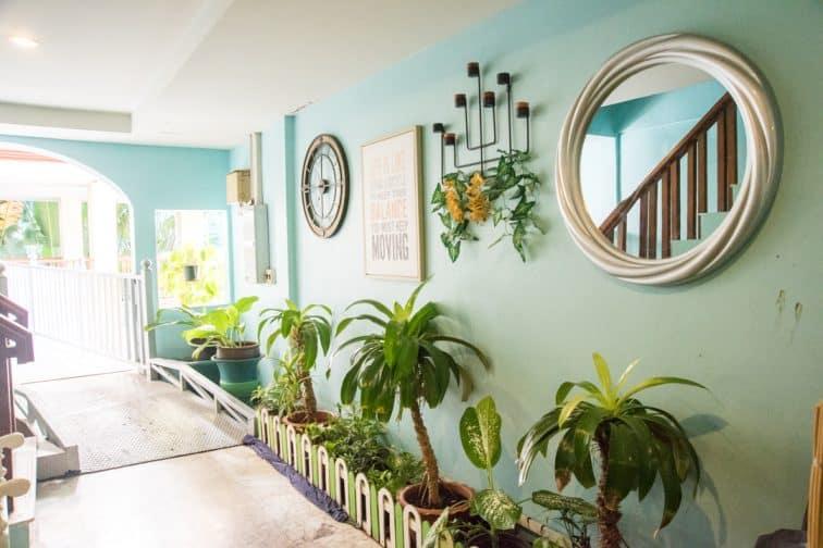バウマンブリホテルのデザイン性のある廊下