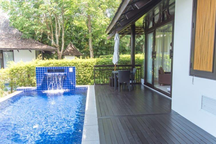 ヴィジットリゾートのプライムプールヴィラの屋外プール