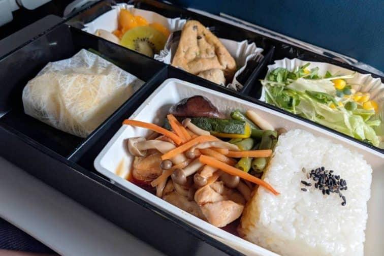 A320 200機内食