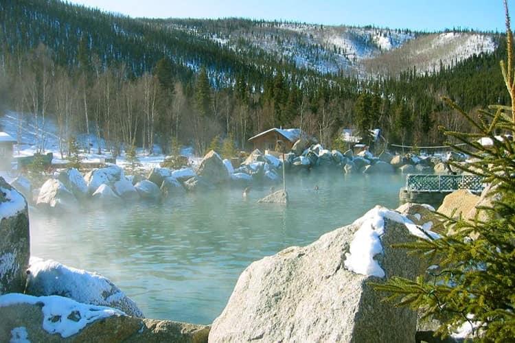 チナ温泉リゾート(Chena Hot Springs Resort)の露天岩風呂