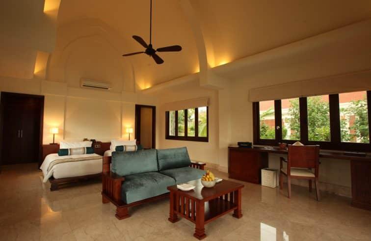 プルクラリゾートのプールラグーンヴィラの客室