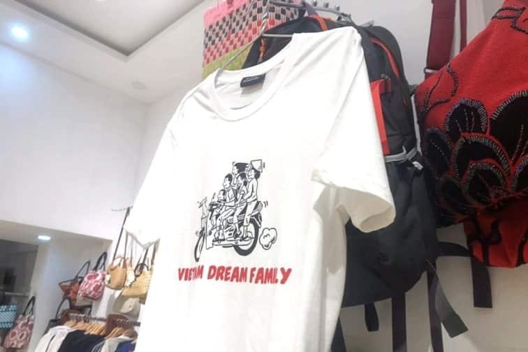 リトルダナンのおすすめお土産「ファミリー柄Tシャツ」