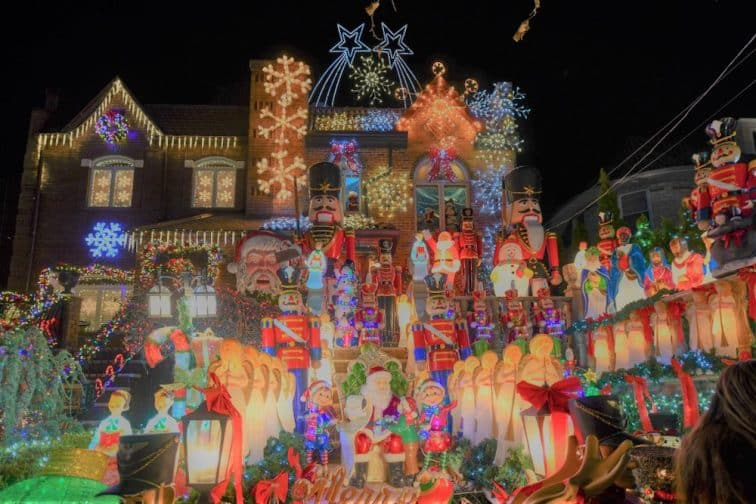 ロックフェラーのツリー点灯式は12月第1水曜日!ニューヨークで過ごすクリスマスのおすすめスポット | トラベルスタンダードジャパン