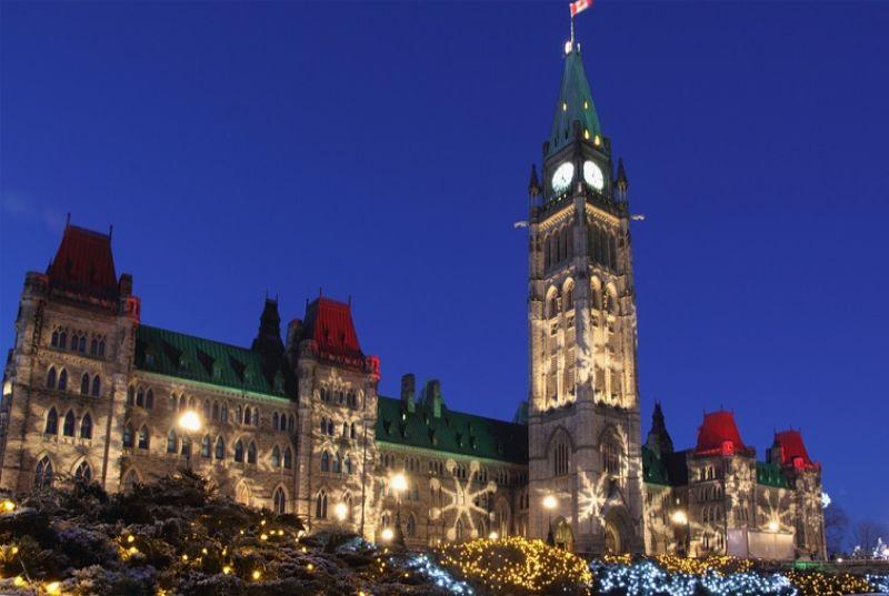 カナダ・オタワ カナダ議会 クリスマスイルミネーション
