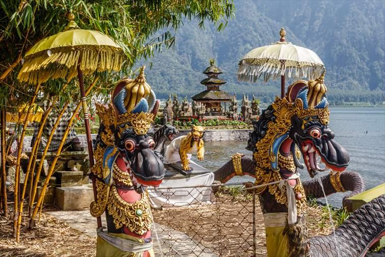 ウルンダヌ・バトゥール寺院の景色