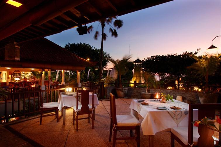 「アラム クルクル ブティック リゾート」レストラン