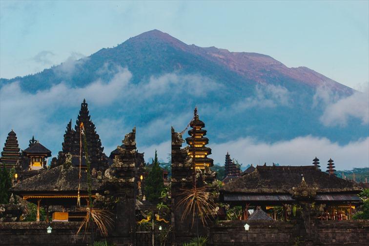 バリ島のヒンズー教徒の総本山、ブサキ寺院