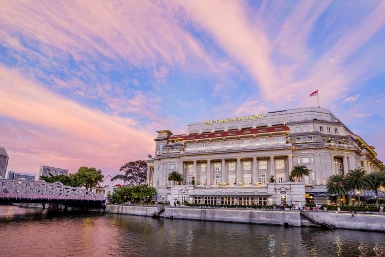 屋上のバーや客室からマリーナエリアを一望できる「ザ・フラトンホテル・シンガポール」