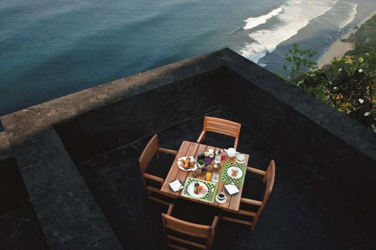朝の絶景朝食風景
