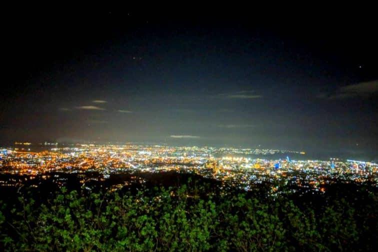 セブ島 トップスから見える夜景