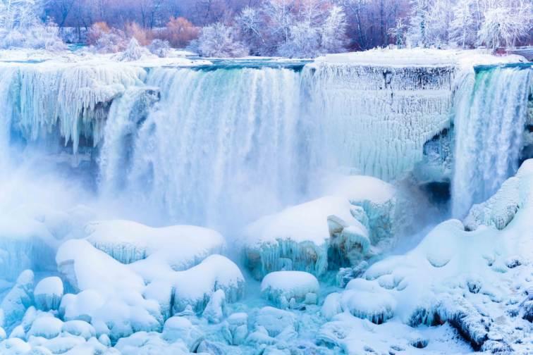 カナダ・ナイアガラの滝 冬