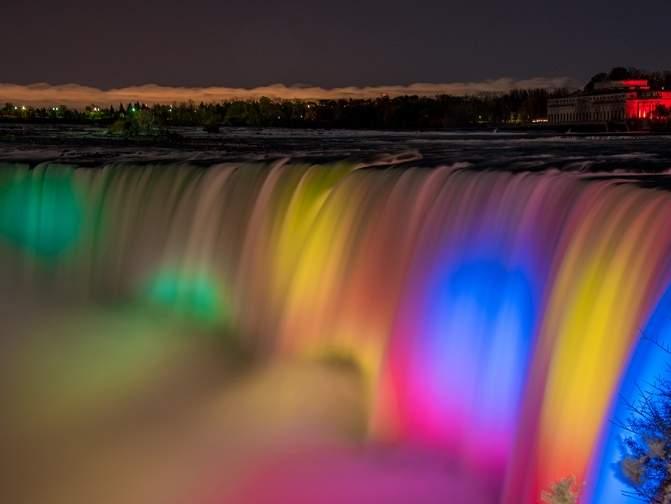 カナダ・ナイアガラの滝(3x4)