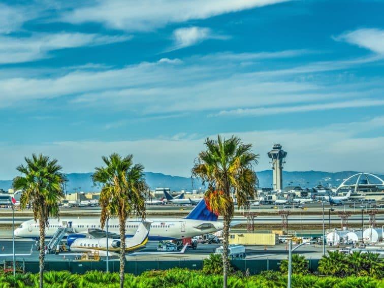 ロサンゼルス・ツアー紹介用 空港(3×4)