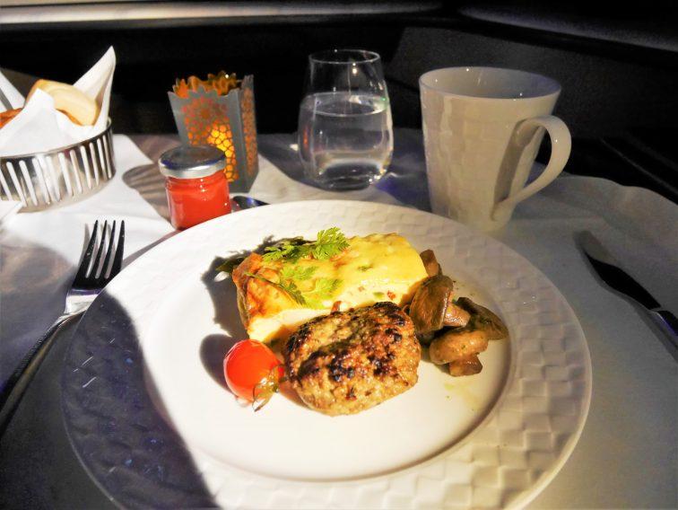 カタール航空ビジネスクラス朝食