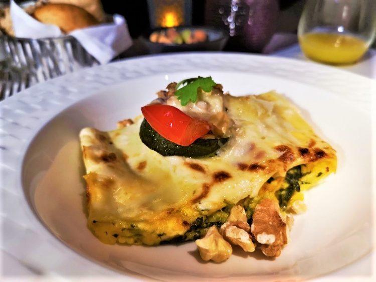 カタール航空ビジネスクラス機内食メニュー