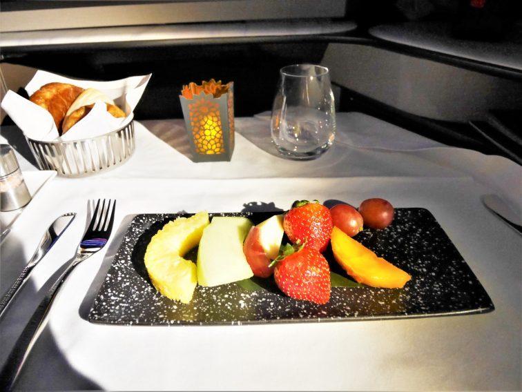 カタール航空ビジネスクラスフルーツ