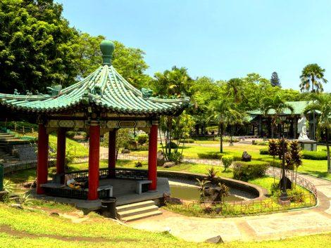 manila chinese garden in rizal park