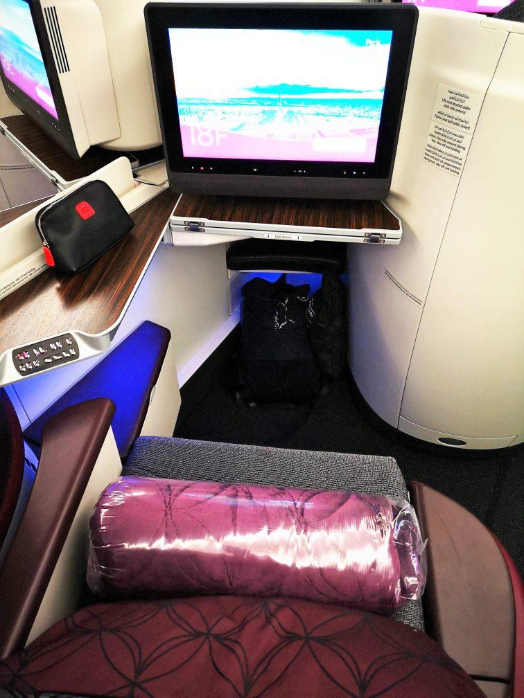 カタール航空ビジネスクラスパリ行きのシート