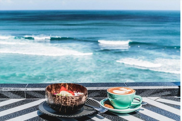 カフェレストラン「シングル・フィン」
