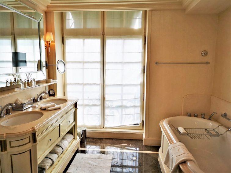 シャングリラホテルパリ バスルーム