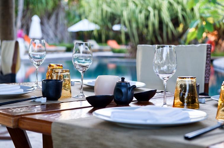 豪華な雰囲気のディナーやランチを楽しもう