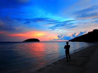 コタキナバルのマヌカン島のサンセット