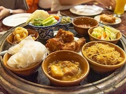 北タイ伝統のカントーク料理