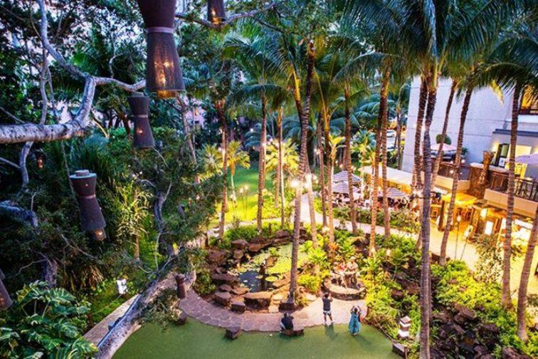 トロピカルな庭園 ロイヤル ハワイアン センター