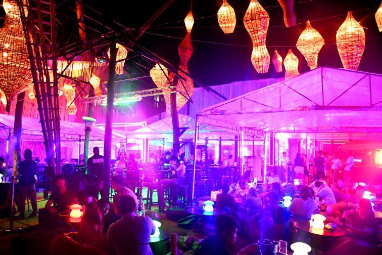 Boracay Om bar by the beach