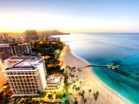 Sunrise at Waikiki Beach hawaii tour