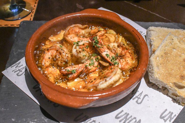 スペイン料理 海老のアヒージョ