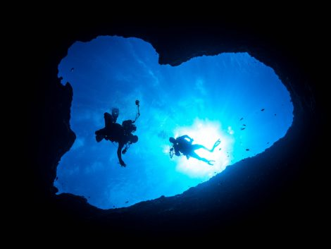 diving at guam tour