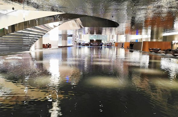 ドーハ空港ラウンジ噴水