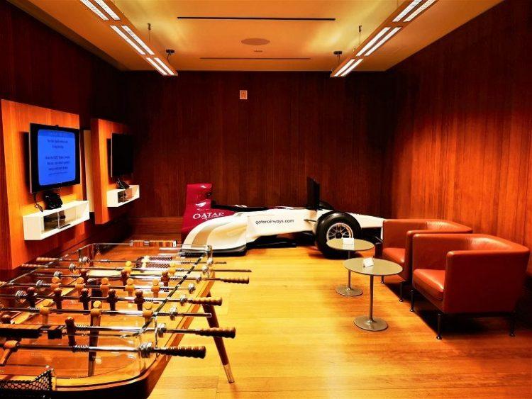 カタール航空ビジネスラウンジゲームルーム