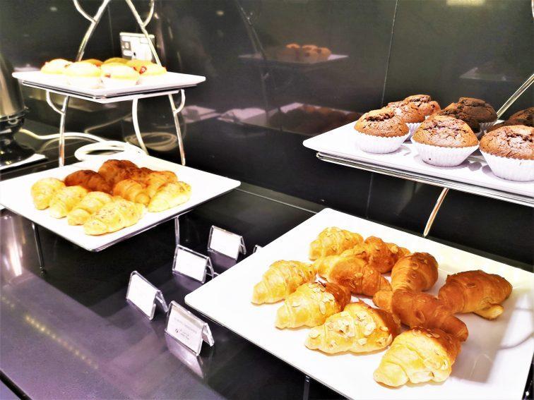 ドーハ空港カタール航空ビジネスラウンジ食事