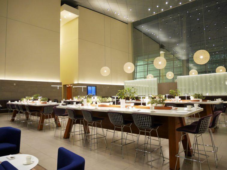 ドーハ・ハマド国際空港ラウンジレストラン