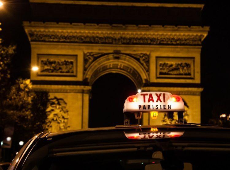 パリ ストライキ タクシー