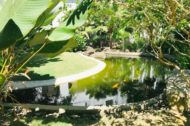 ダナ ランカウイの中庭
