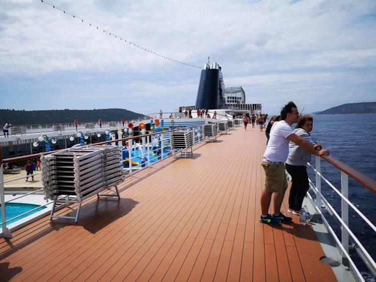クルーズ 船内散策
