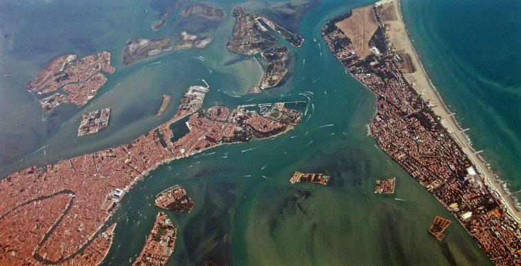 ベネチア本島 空撮