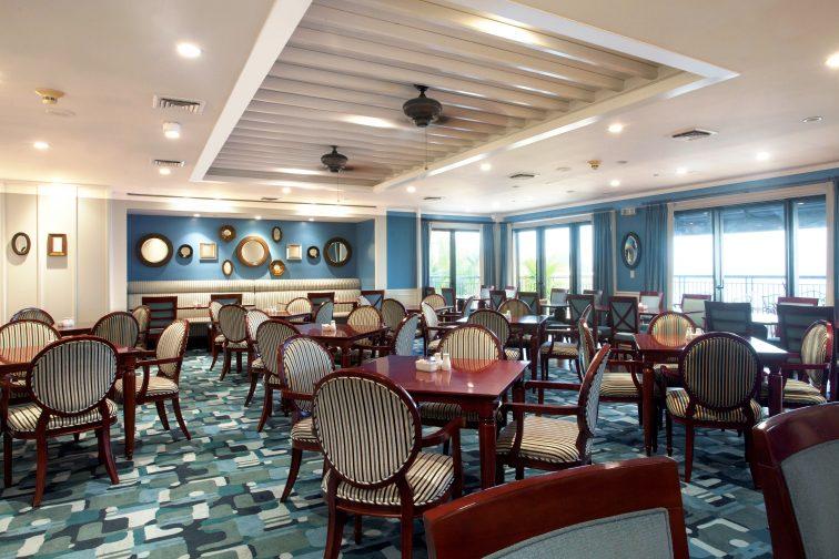 Royal Club Lounge (10)