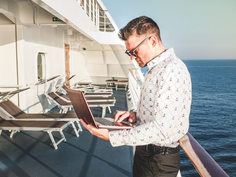 男のひとり船旅