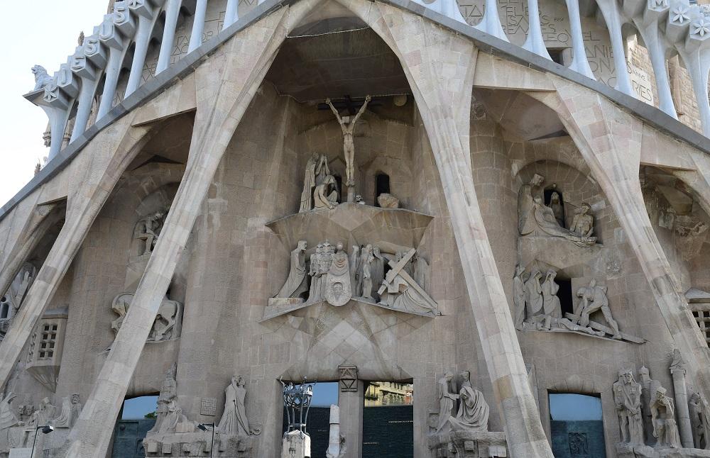 受難のファサード キリスト像
