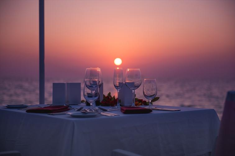 食事も眺望も独り占めできる極上のおもてなしを堪能