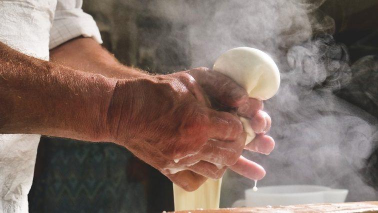 ナポリ モッツァレラチーズ