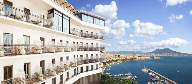 ナポリ 絶景ホテル パラディソ