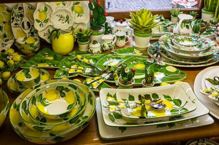 ナポリ お土産 レモンを描いた陶器