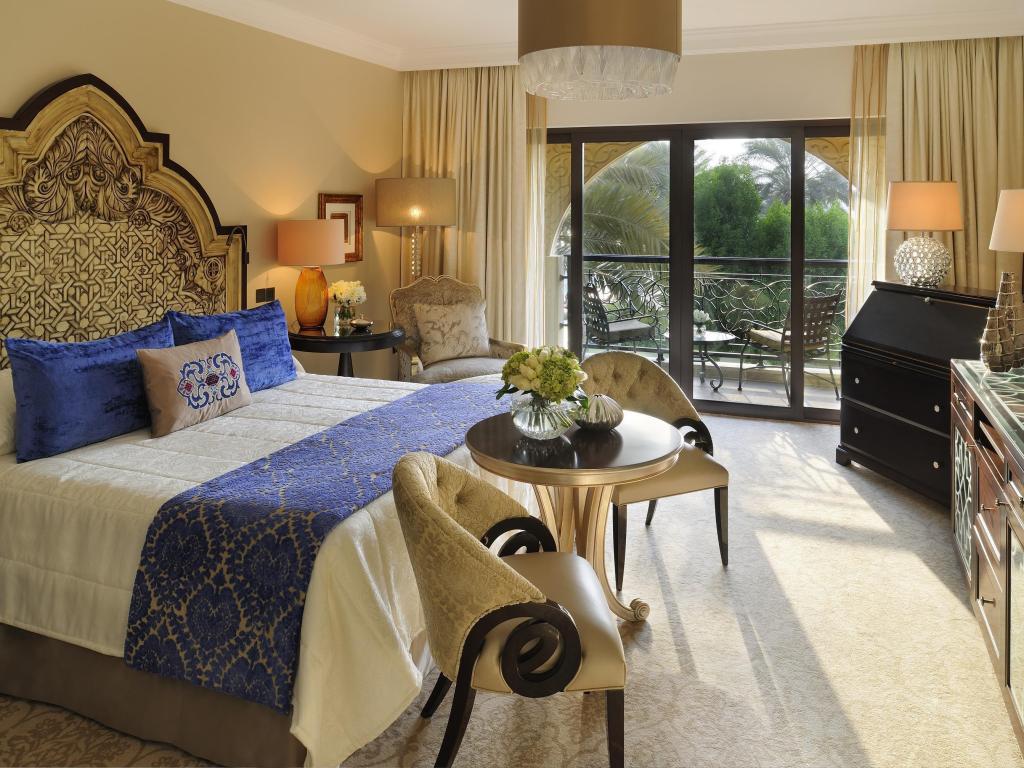 ドバイ 高級ホテルツアーが安い